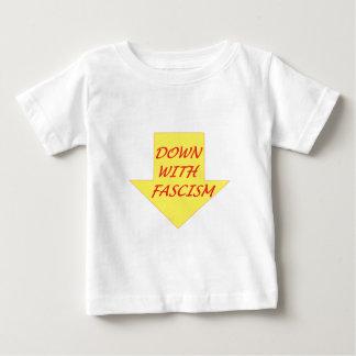 ファシズムと ベビーTシャツ