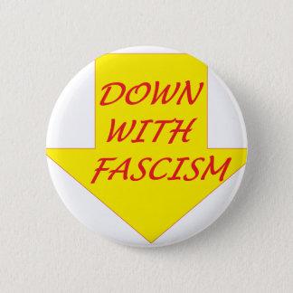 ファシズムと 缶バッジ