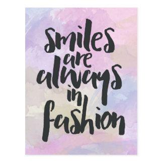 ファッションの引用文の微笑 ポストカード