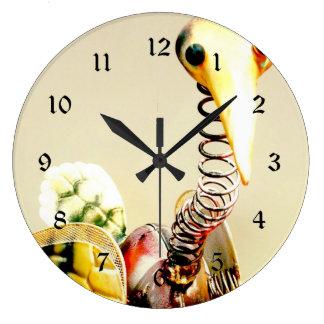 ファンキーなクレーン鳥の金属の庭のオーナメントの民芸 ラージ壁時計