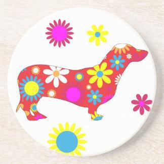 ファンキーなレトロの花の花いっぱいのダックスフント犬のコースター コースター