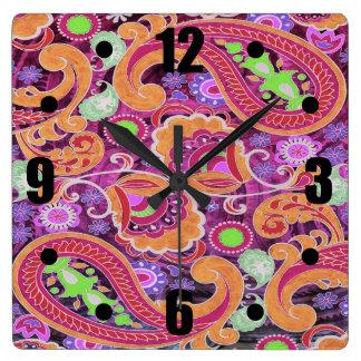 ファンキーな紫色の抽象芸術のレトロのペイズリーパターン スクエア壁時計