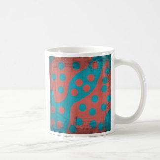 ファンキーな衰退したグランジで赤い青の抽象芸術の点 コーヒーマグカップ