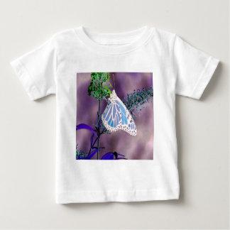 ファンキーな、野生の蝶 ベビーTシャツ