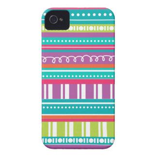 ファンキーのお祝いは明るい虹で縞で飾ります Case-Mate iPhone 4 ケース