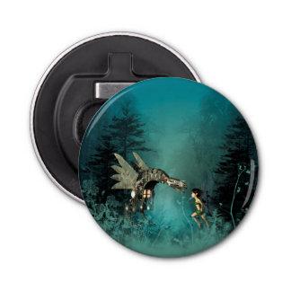 ファンタジーの森林の蒸気のドラゴンを持つかわいい妖精 栓抜き
