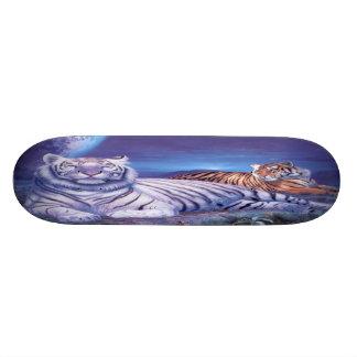 ファンタジーの白いトラネコ 20.6CM スケートボードデッキ