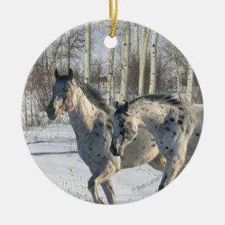 ファンタジーの馬: 冬の不思議の国 セラミックオーナメント