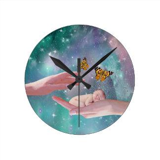 ファンタジー手元のかわいいベビー ラウンド壁時計