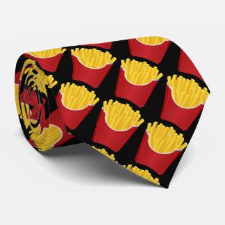 ファースト・フード、黒い背景が付いているポテトチップ ネクタイ