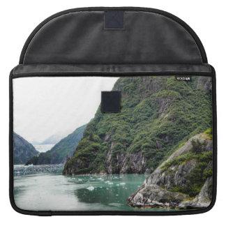 フィヨルドのMacbookの袖を通した眺め MacBook Proスリーブ