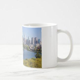 フィラデルヒィアのスカイラインのマグ コーヒーマグカップ