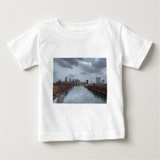 フィラデルヒィアのスカイライン ベビーTシャツ