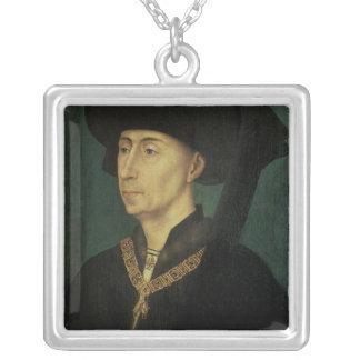 フィリップのポートレートバーガンディのよい公爵 シルバープレートネックレス