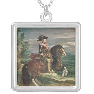 フィリップの乗馬のポートレートIV c.1636 シルバープレートネックレス