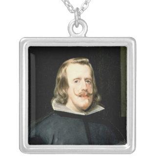フィリップIVの法廷で服1655年のポートレート シルバープレートネックレス