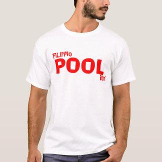 フィリピンのプールの男の子 Tシャツ