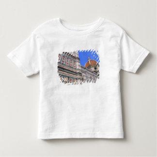 フィレンツェ、イタリアの有名なDoumo教会クローズアップ トドラーTシャツ