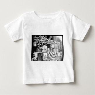 フィレンツェJaffray HurstのデイジーのHarrimanのSuffragette ベビーTシャツ