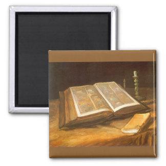 フィンセント・ファン・ゴッホ著作の聖書が付いている静物画 マグネット
