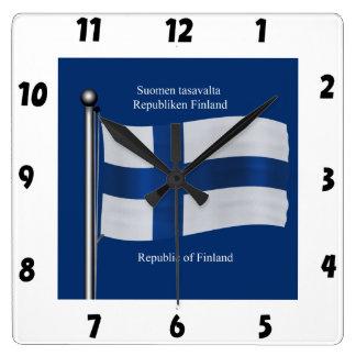 フィンランドの振る旗 スクエア壁時計
