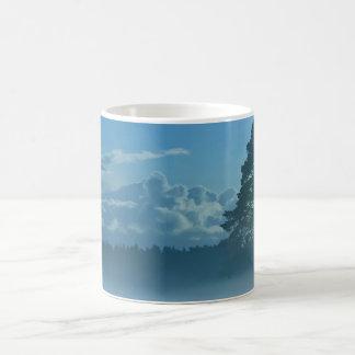 フィンランドの霧深い湖 モーフィングマグカップ