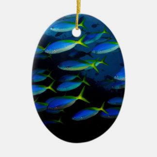 フィージーの黄色く、blueback fusilの魚 セラミックオーナメント