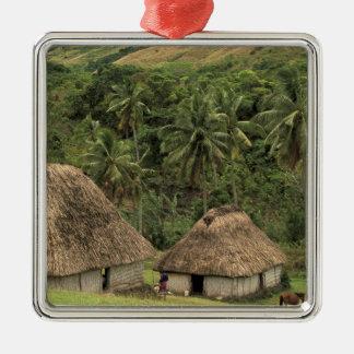 フィージー、ビティレブー島、NavalaのBureの伝統的な家 メタルオーナメント