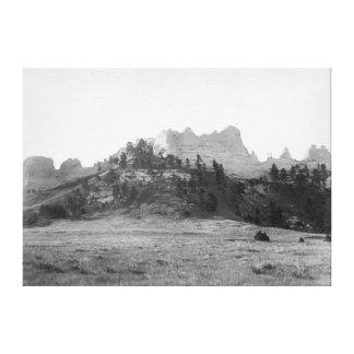 フィートロビンソンの写真の近くのカラスのビュート キャンバスプリント