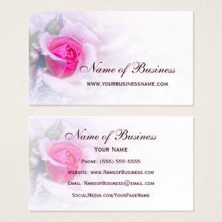 フェミニンなピンクのバラの花のエレガントな花柄 名刺