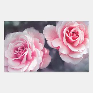 フェミニンなピンクのバラの花柄の写真 長方形シール