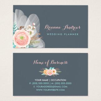 フェミニンな花花束のエレガントなウェディングプランナー 名刺
