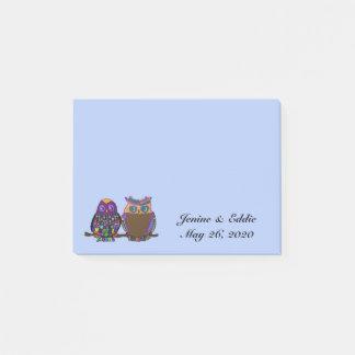 フクロウのカップルの結婚式の引き出物のポスト・イット ポストイット