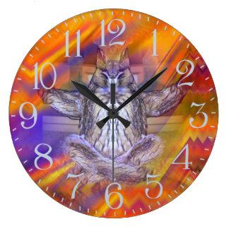 フクロウの浮遊残りのバランスの芸術のめい想 ラージ壁時計