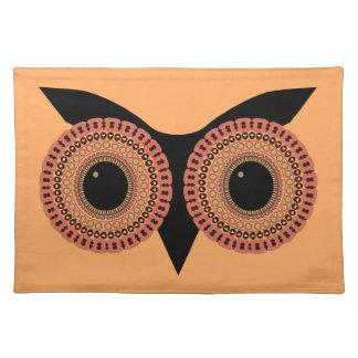 フクロウはランチョンマットを注目します ランチョンマット