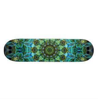 フクロウは万華鏡のように千変万化するパターンを注目します 18.1CM オールドスクールスケートボードデッキ