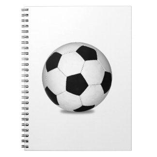 フットボールのスポーツはゲームの屋外のおもしろいの幸せな子供を演じます ノートブック