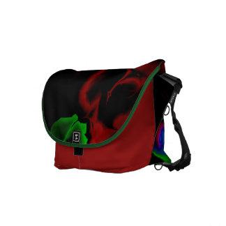 フラクタルの芸術の野生および熱狂するなデザインのメッセンジャーバッグ メッセンジャーバッグ
