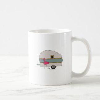 フラミンゴが付いているキャンピングカー コーヒーマグカップ