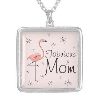 フラミンゴのピンクの「すばらしいお母さん」の正方形媒体 シルバープレートネックレス