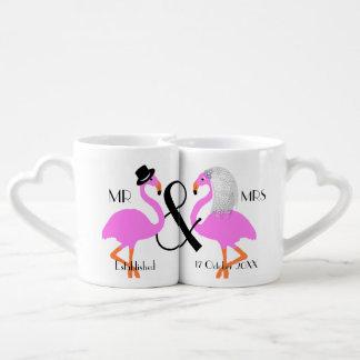 フラミンゴの花嫁の新郎の名前入りな結婚祝い ペアカップ