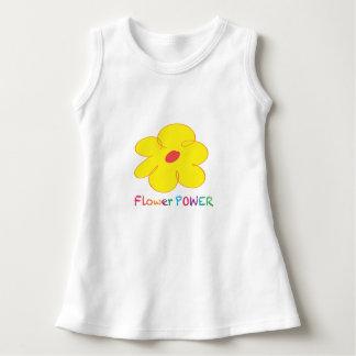 フラワーパワーの赤ん坊の袖なしの服 ドレス