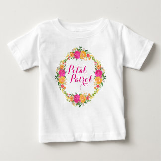 フラワー・ガールのワイシャツの花弁のパトロールのワイシャツの花のリース ベビーTシャツ
