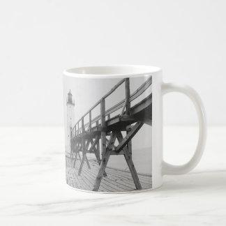 フランクフォートの灯台 コーヒーマグカップ