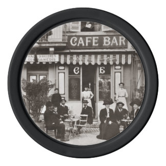 フランスのなカフェのバーの通り場面 ポーカーチップ