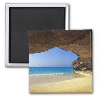フランスのな湾、サンサルバドルの島の洞窟、 マグネット