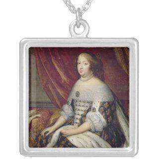 フランスのオーストリアの女王のアンのポートレート シルバープレートネックレス