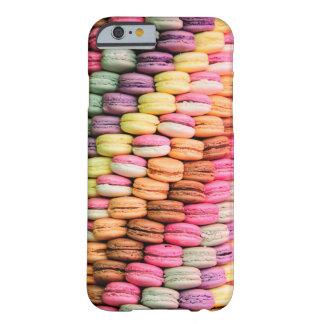 フランス人のパリのベーカリーのマカロン BARELY THERE iPhone 6 ケース