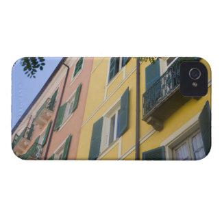 フランス、コルシカ。 カラフルなアパート Case-Mate iPhone 4 ケース