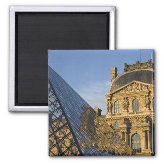 フランス、パリ、ルーバー博物館およびピラミッド、 マグネット